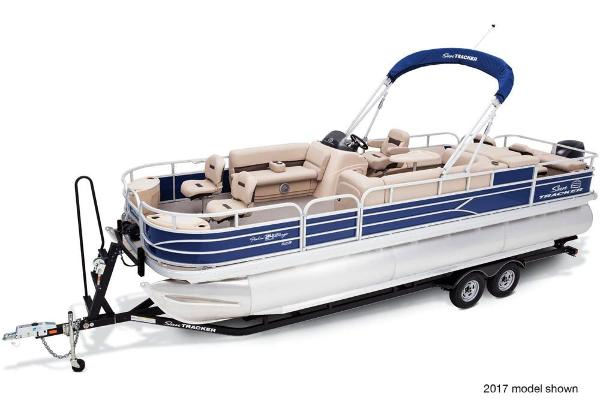 2018 Sun Tracker boat for sale, model of the boat is Fishin' Barge 24 XP3 & Image # 2 of 7