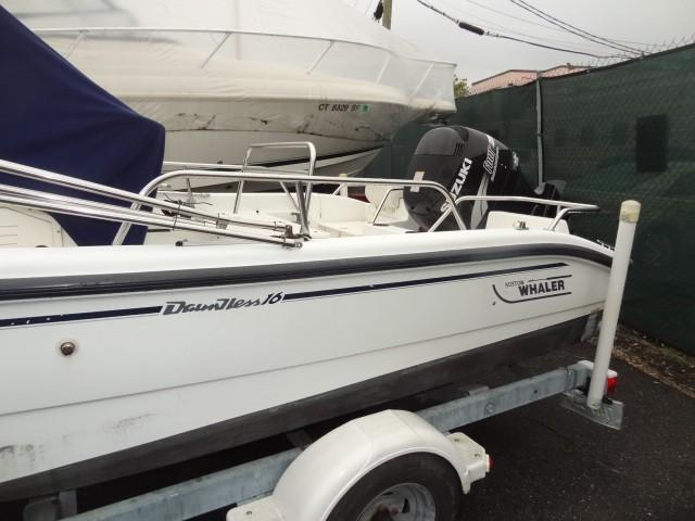 2001 Boston Whaler Dauntless 16
