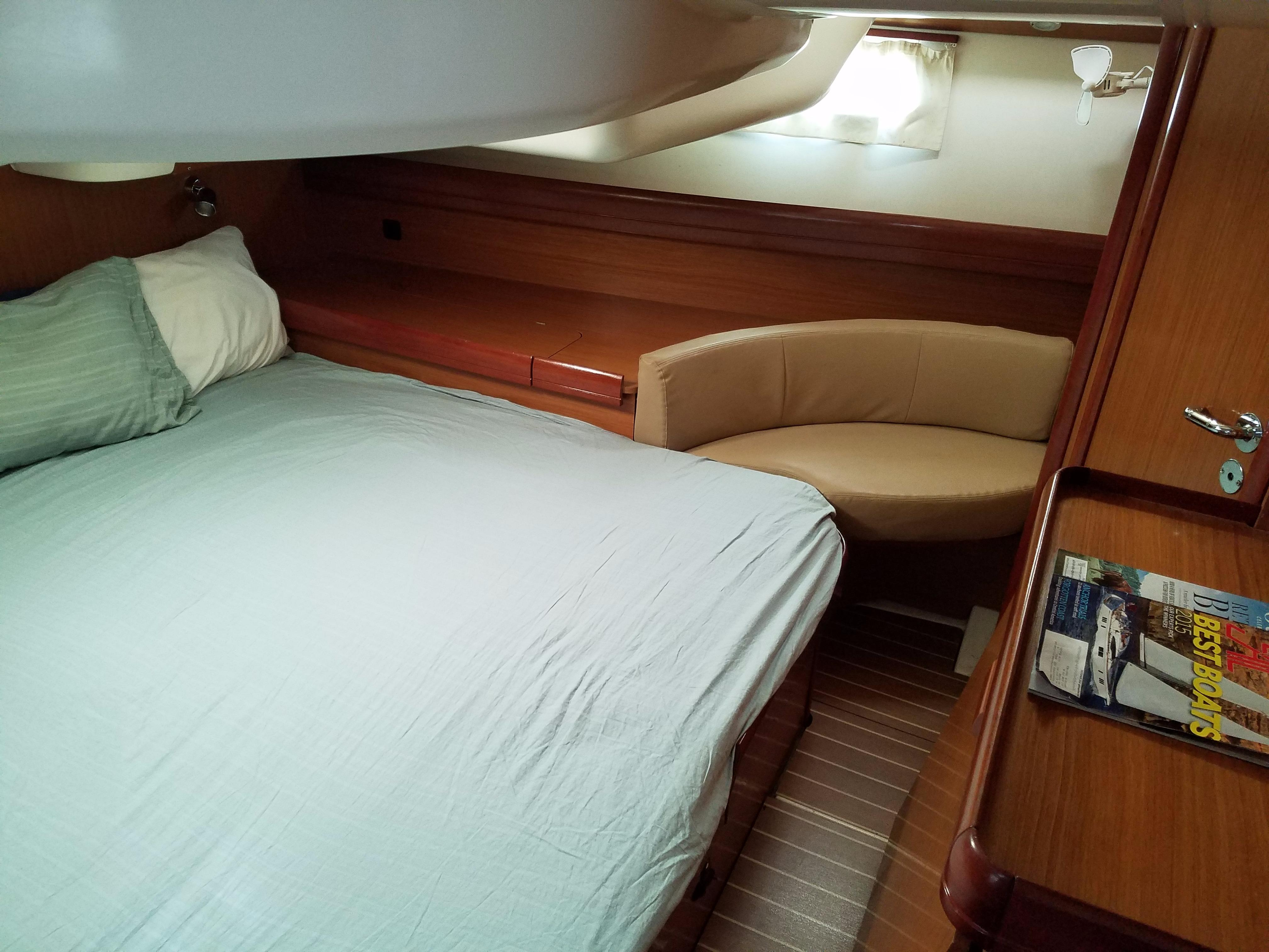 Master Cabin Port Seating