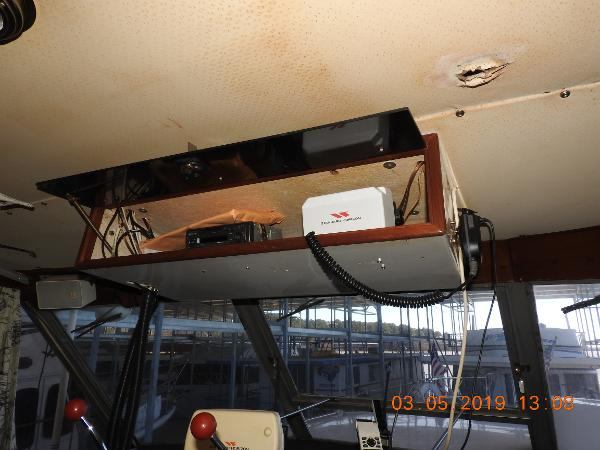 1969 Chris Craft boat for sale, model of the boat is Crusader & Image # 9 of 20