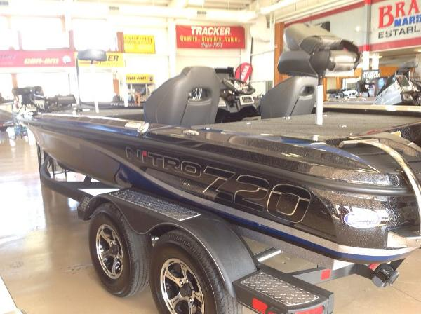 2021 Nitro boat for sale, model of the boat is Z20 & Image # 1 of 7