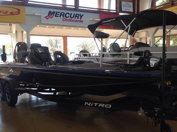 2021 Nitro boat for sale, model of the boat is Z20 & Image # 2 of 7