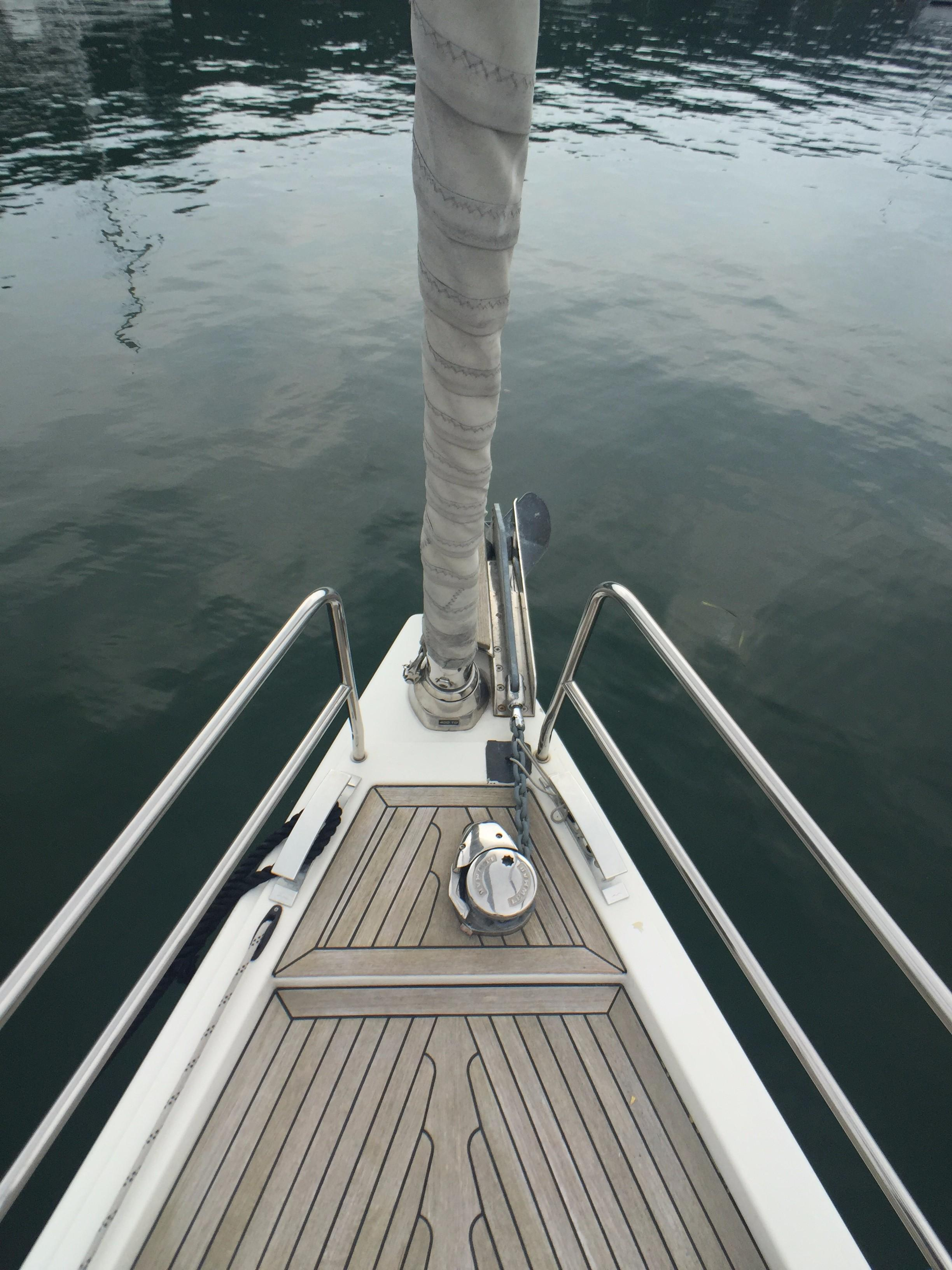 Hanse 495 -- Bow and Windlass
