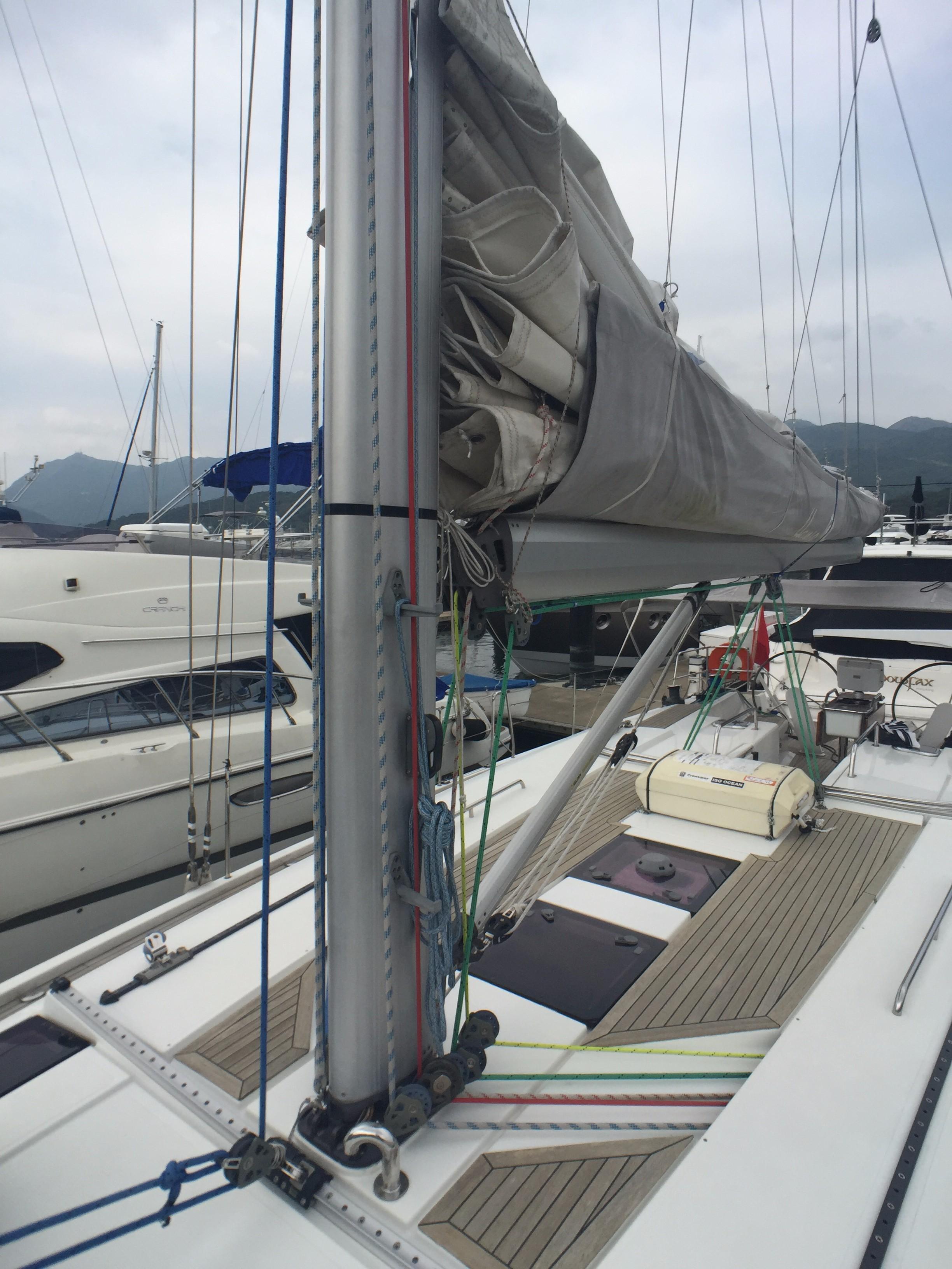 Hanse 495 -- Mast, Rigging, Lazy Bag