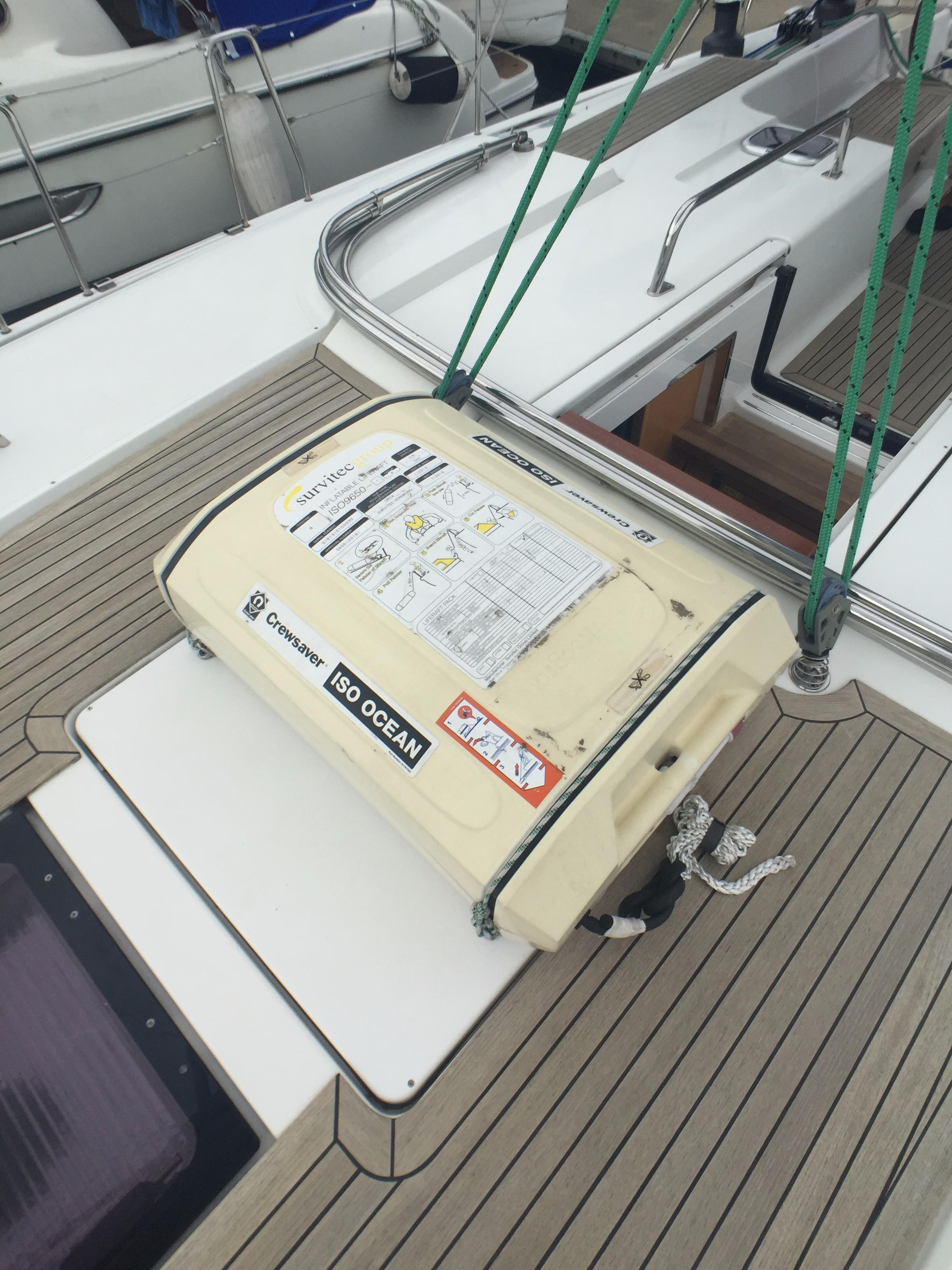 Hanse 495 -- Life Raft