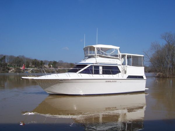 Chris Craft 372 Catalina Motor Yachts. Listing Number: M-3221145