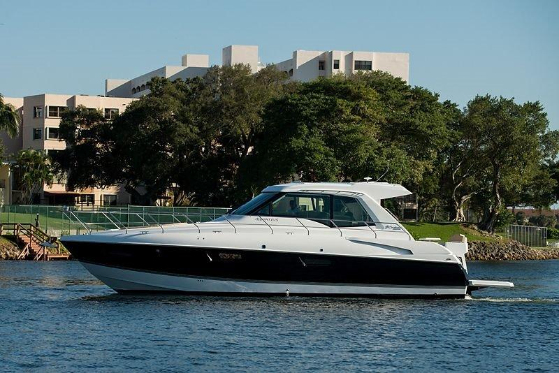 2015 Cruisers Yachts 48 Cantius