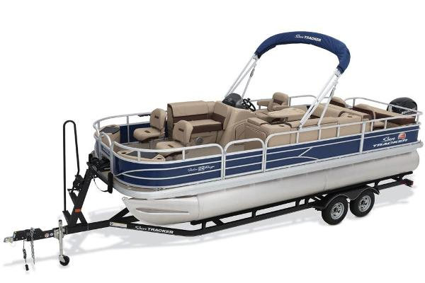 2018 Sun Tracker boat for sale, model of the boat is Fishin' Barge 22 DLX & Image # 4 of 10