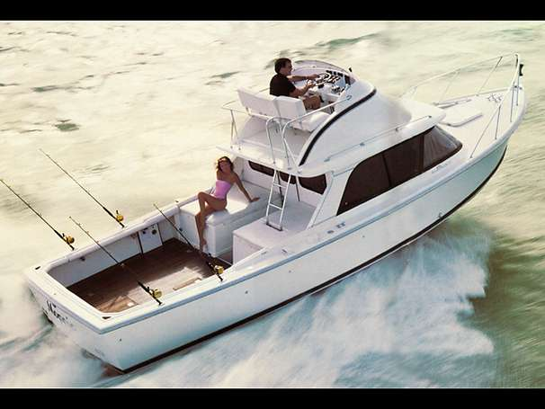 Bertram 31 Flybridge Cruiser Sports Fishing Boats. Listing Number: M-3601753