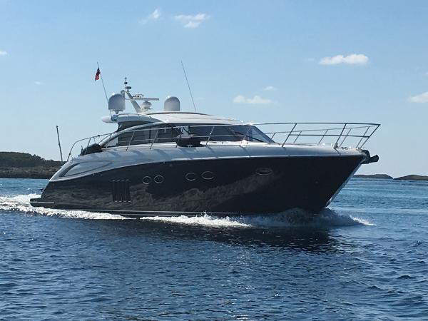 2011 62' Princess V62