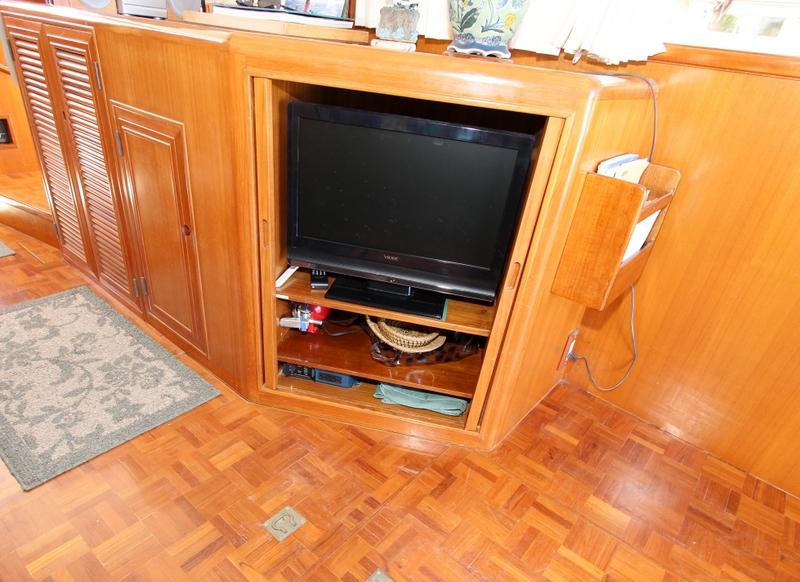 Salon Custom TV Console