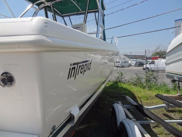 1999 Intrepid 289 WALK AROUND