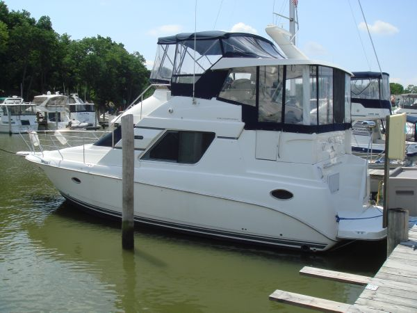 Silverton 352 Motoryacht Motor Yachts. Listing Number: M-3671194