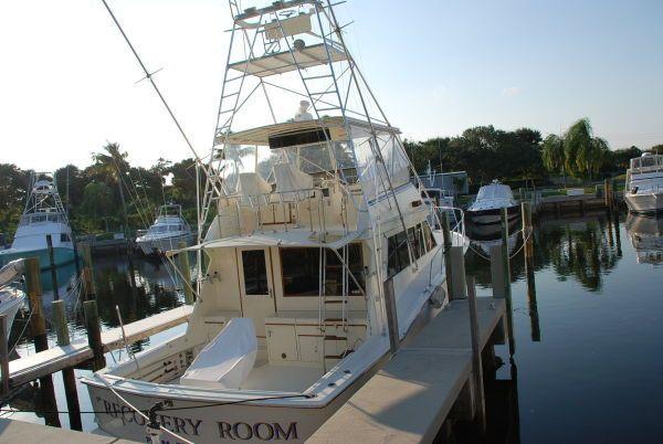 Hatteras Flybridge Motoryacht Motor Yachts. Listing Number: M-3821197