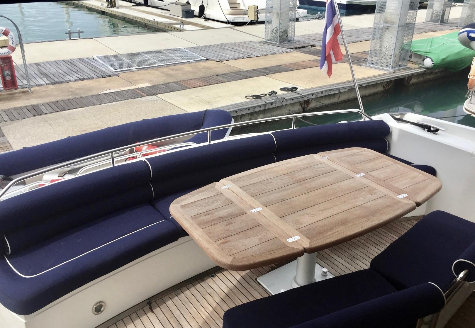 Sunseeker Manhattan 60 - Cockpit
