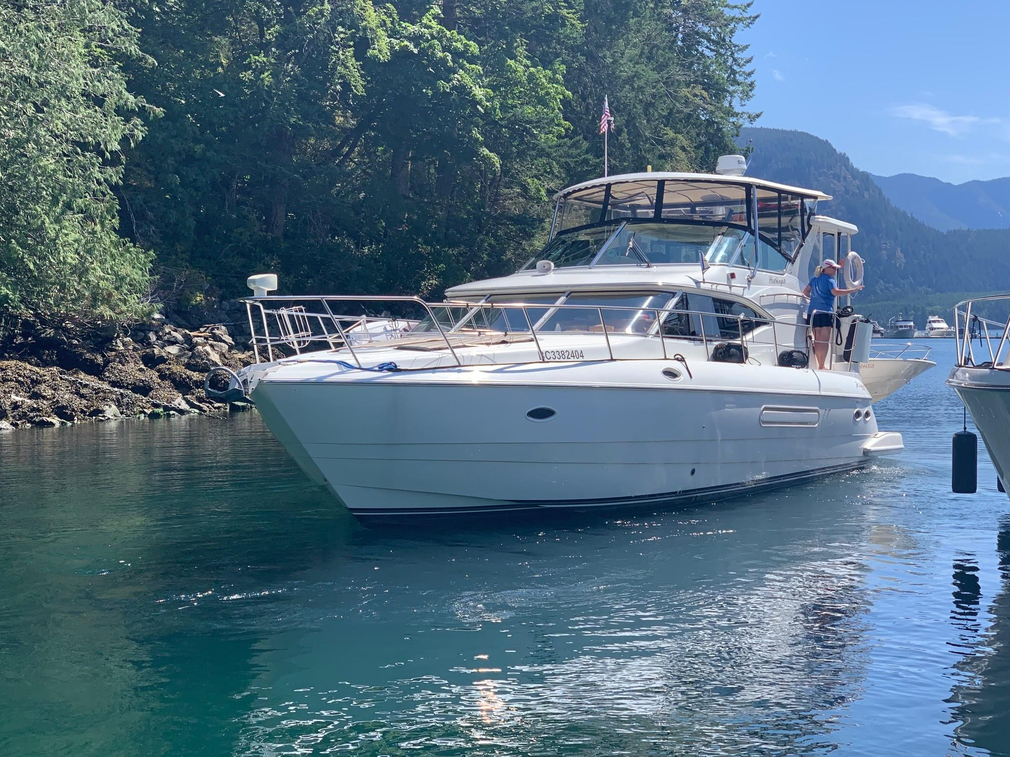 44 Cruisers Yachts 2002 Crescent Beach | Denison Yacht Sales