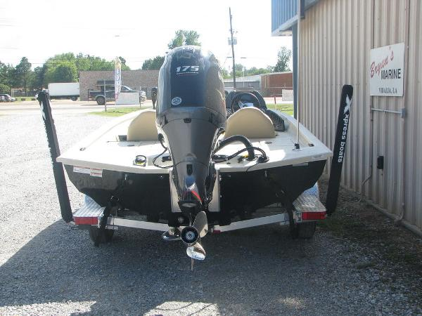 2019 Xpress boat for sale, model of the boat is X19 Pro & Image # 6 of 17