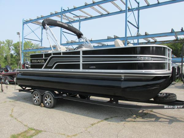 2018 Ranger Boats boat for sale, model of the boat is 223 FISH TRI TOON & Image # 1 of 29