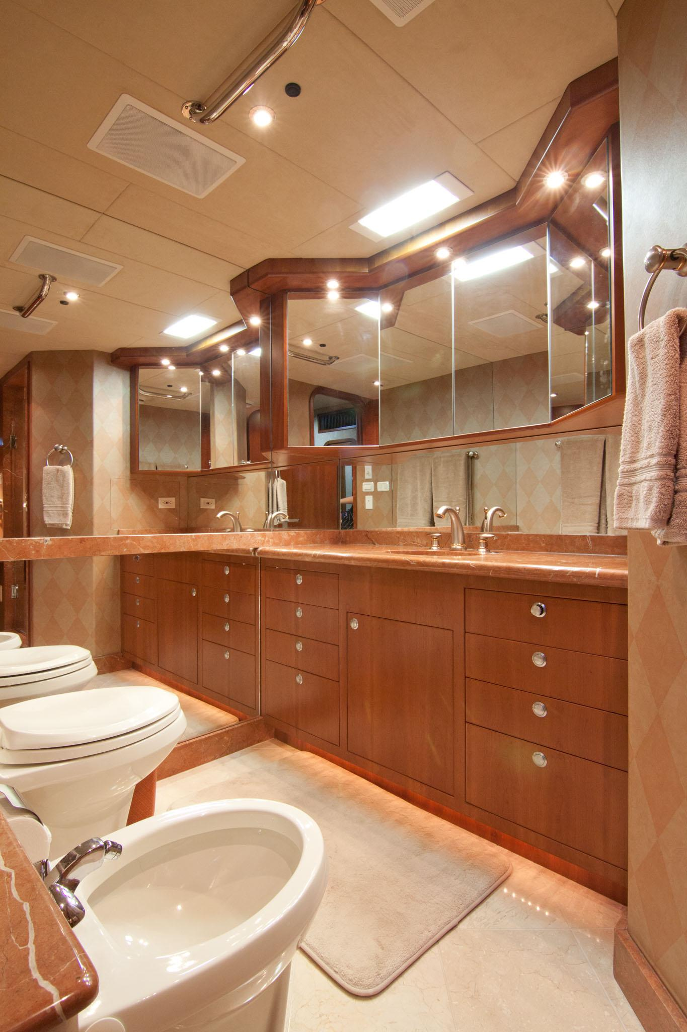 81 cape horn 2003 whiskey hotel for sale in fort lauderdale  florida  us