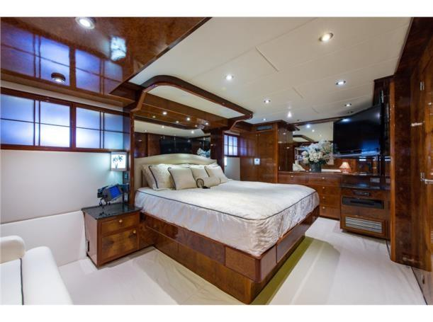 Mid stateroom, port aft view
