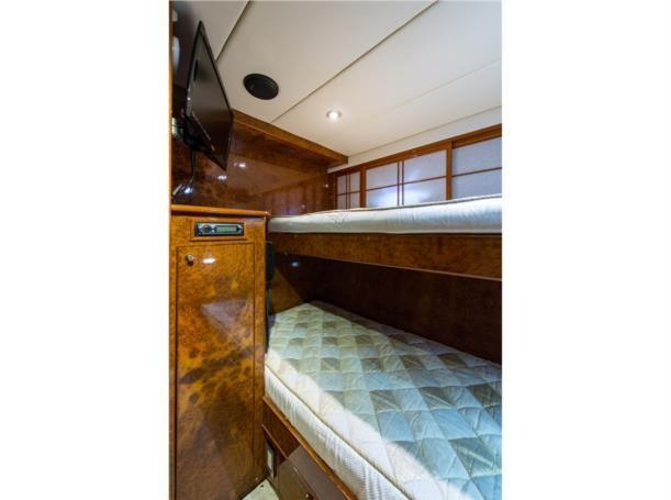Guest stateroom, mid ship