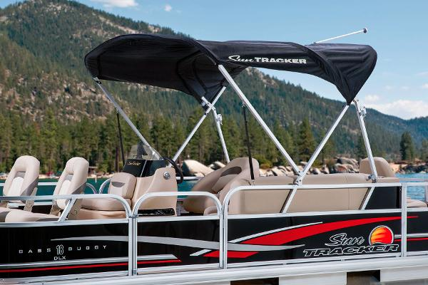 2014 Sun Tracker boat for sale, model of the boat is Bass Buggy 18 DLX & Image # 12 of 19
