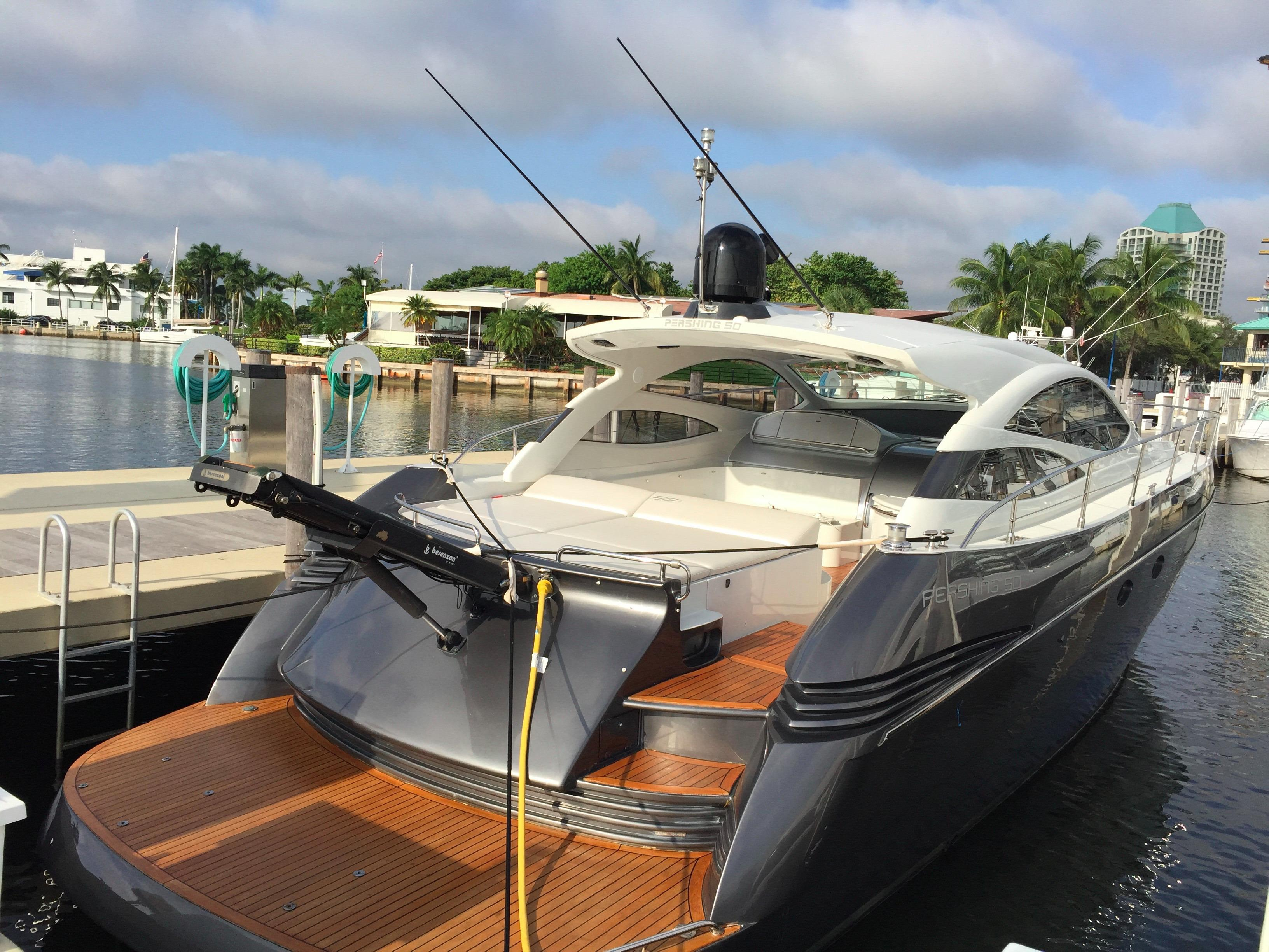 2006 Pershing w/ Surface Drives