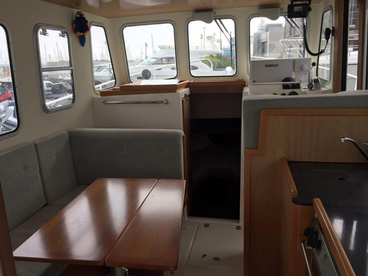 Rhea 850 wheelhouse