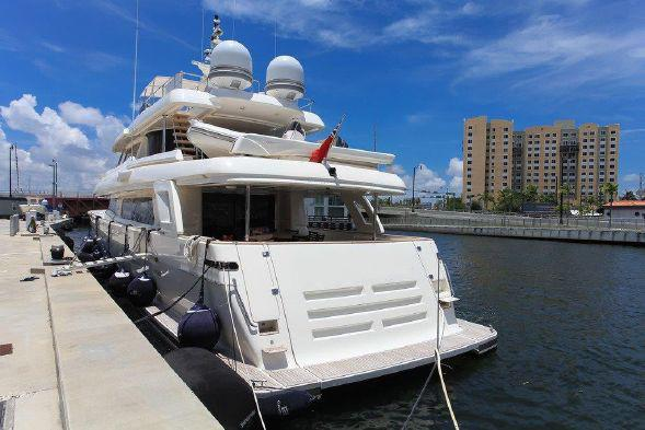 107 Ferretti Yachts