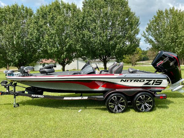 2021 Nitro boat for sale, model of the boat is Z19 Pro & Image # 1 of 17