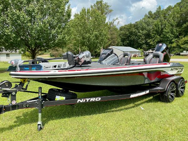 2021 Nitro boat for sale, model of the boat is Z19 Pro & Image # 2 of 17