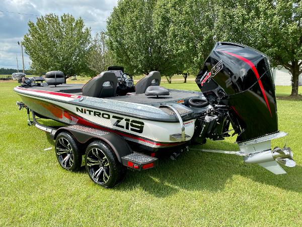 2021 Nitro boat for sale, model of the boat is Z19 Pro & Image # 3 of 17