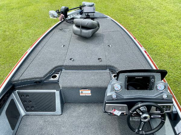 2021 Nitro boat for sale, model of the boat is Z19 Pro & Image # 9 of 17