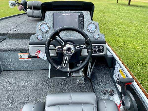 2021 Nitro boat for sale, model of the boat is Z19 Pro & Image # 12 of 17