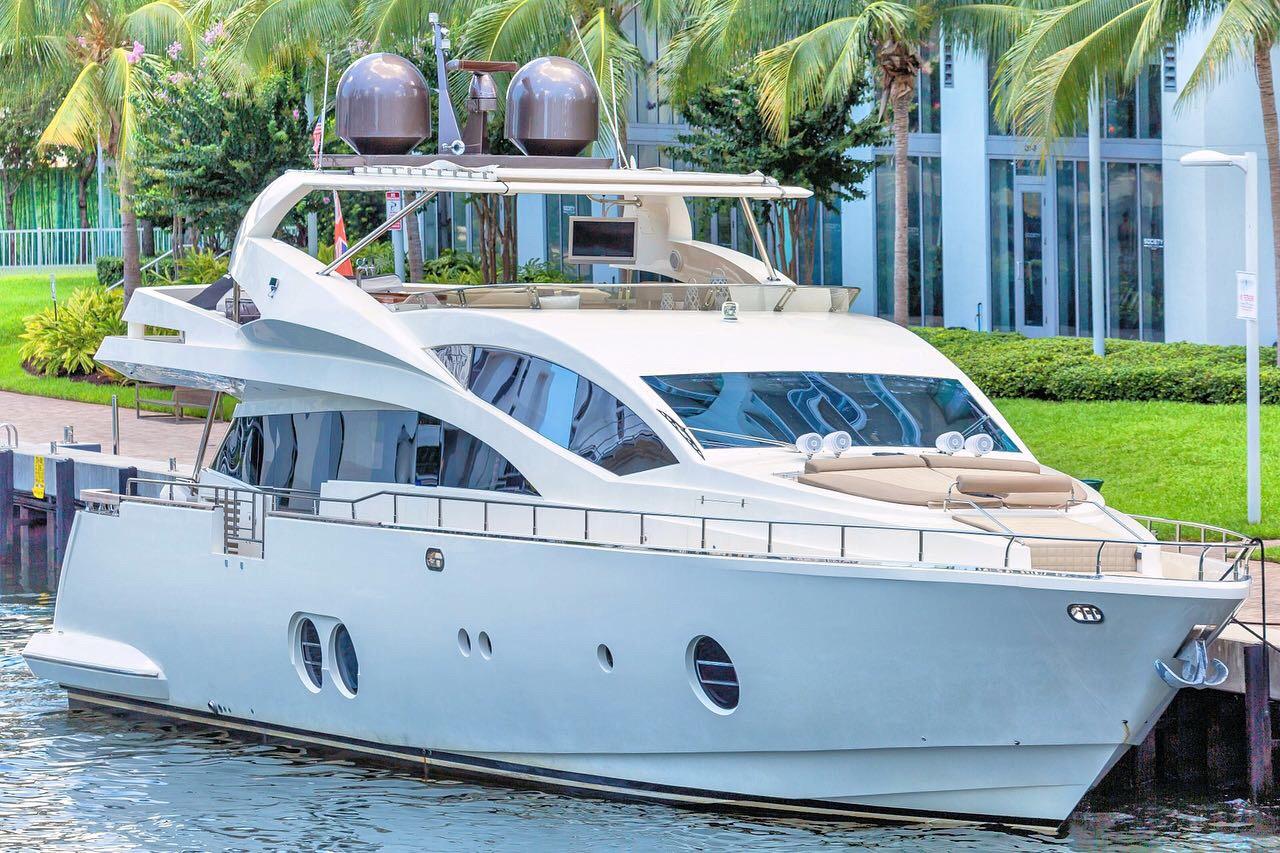 85' Aicon Yachts 2015