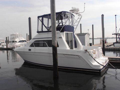 Mainship 31' Sedan Bridge Convertible Boats. Listing Number: M-3801302