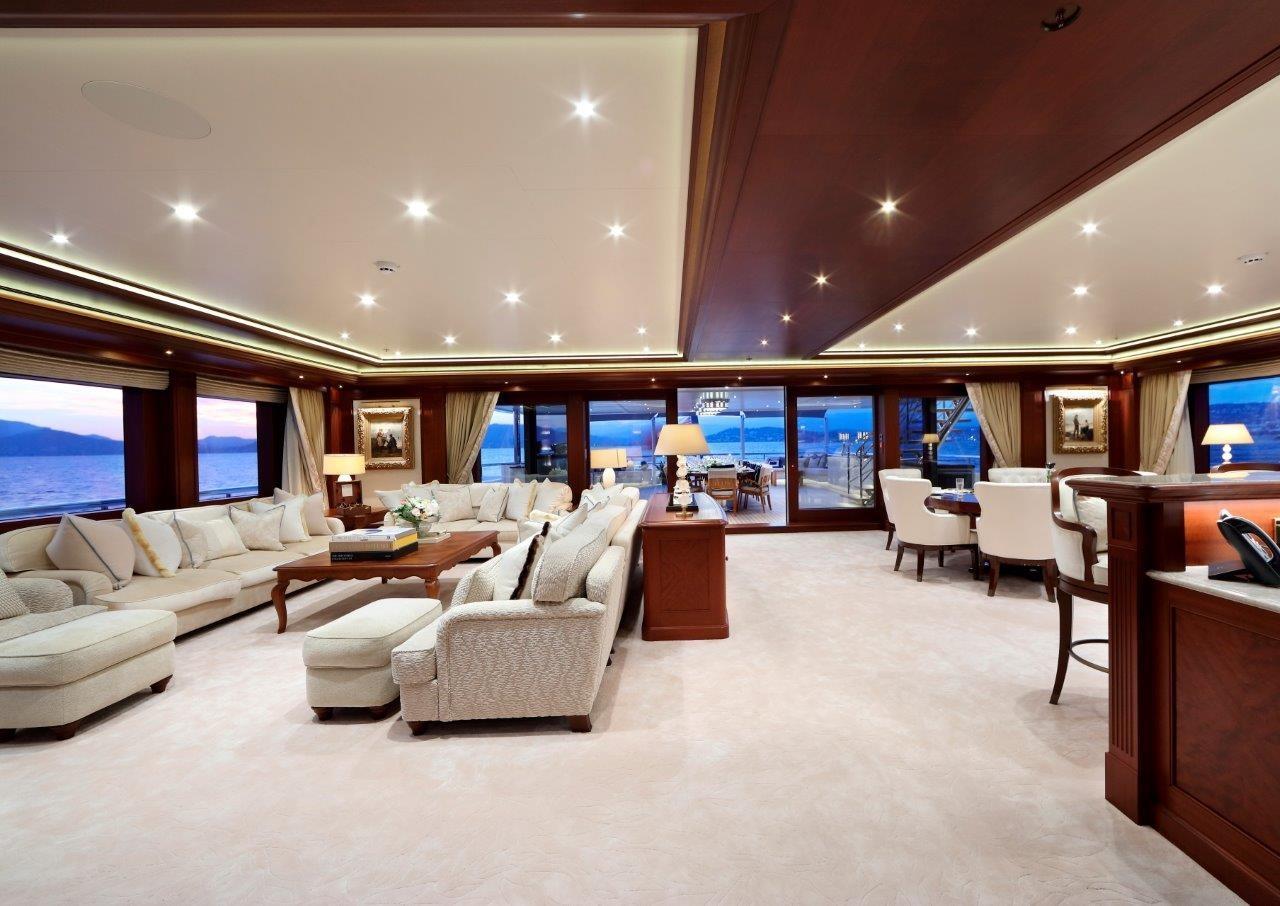279 Lurssen Owner's Deck Salon