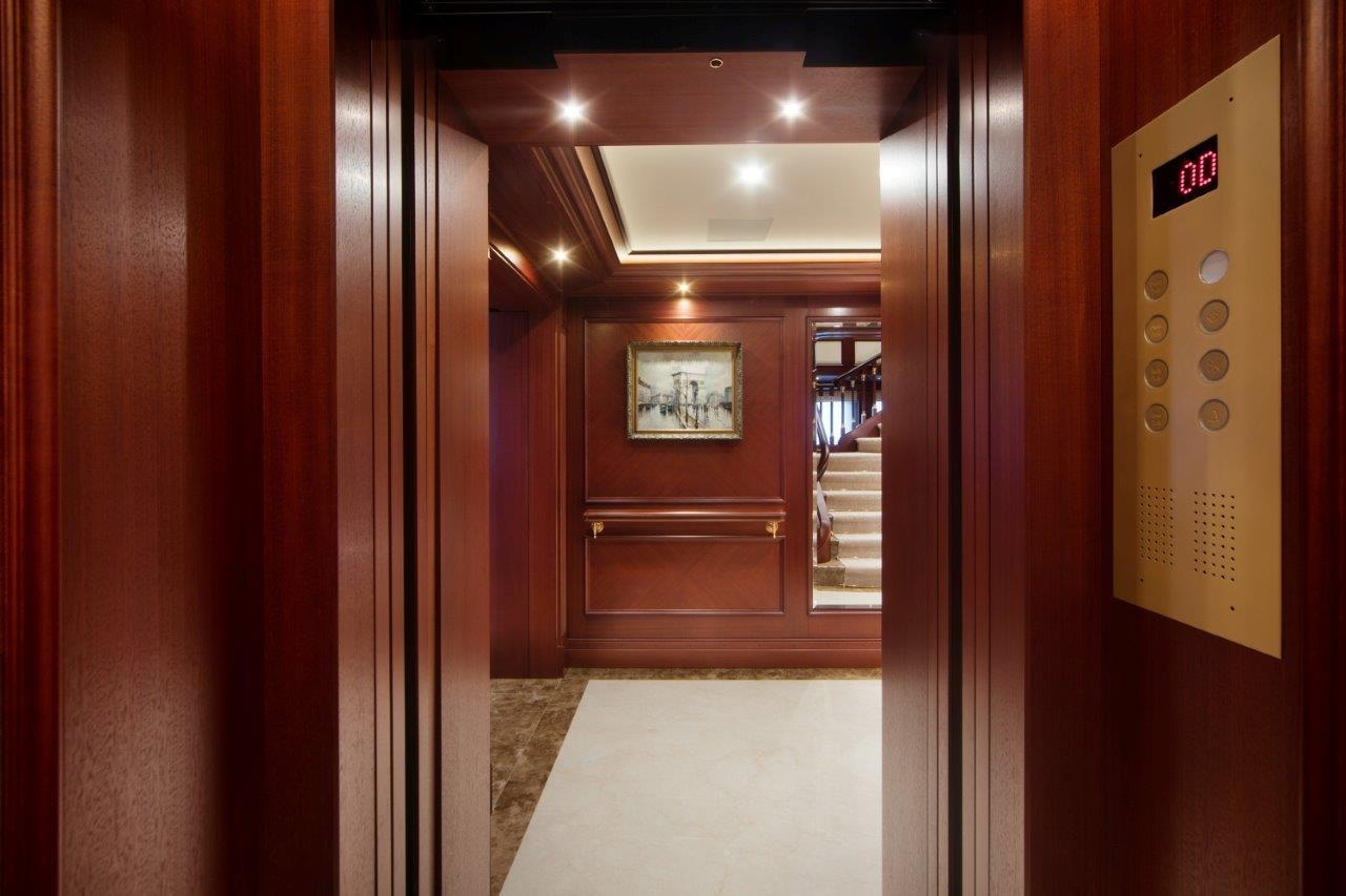 279 Lurssen Looking out from Elevator