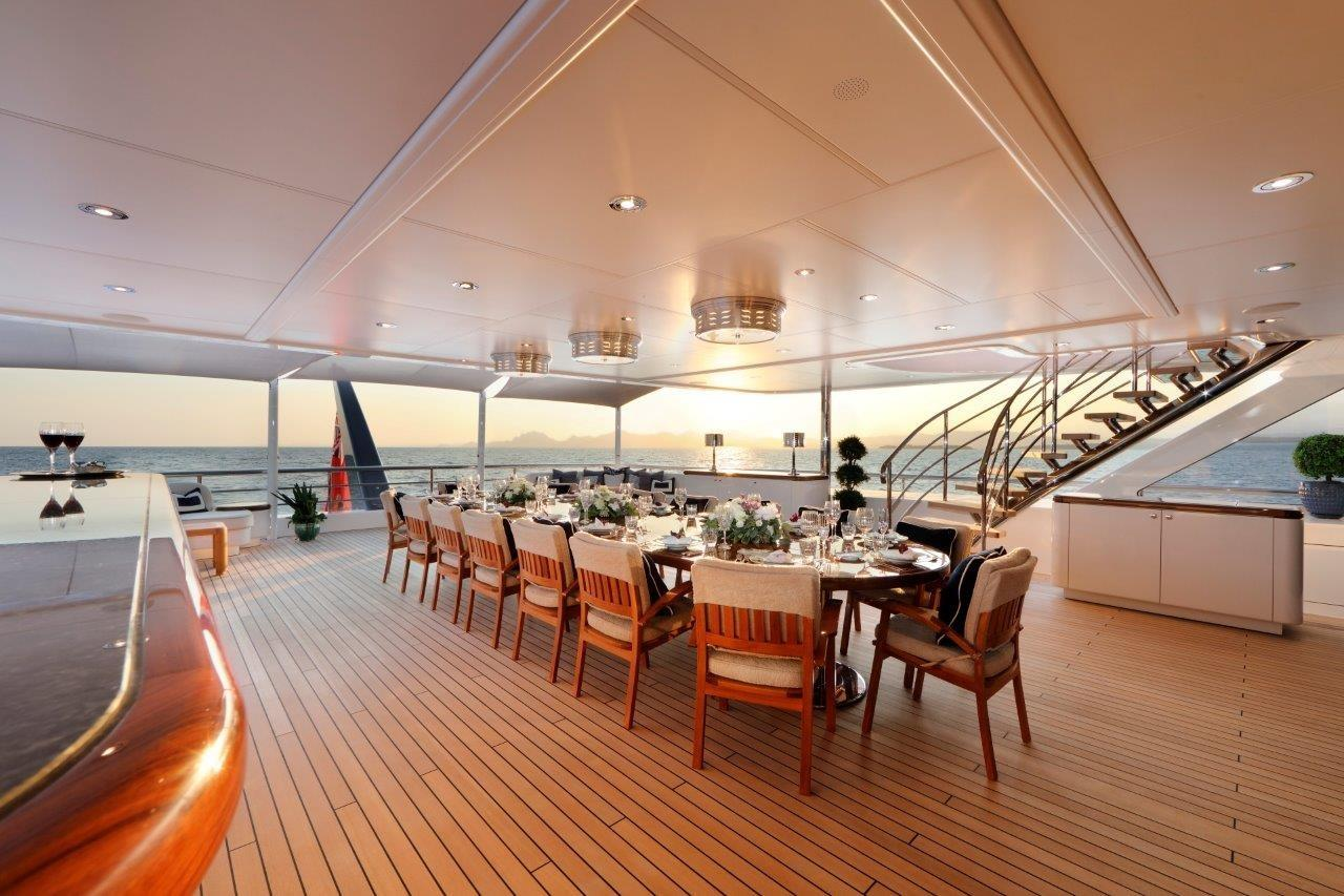 279 Lurssen Owner's Deck Outside Dining