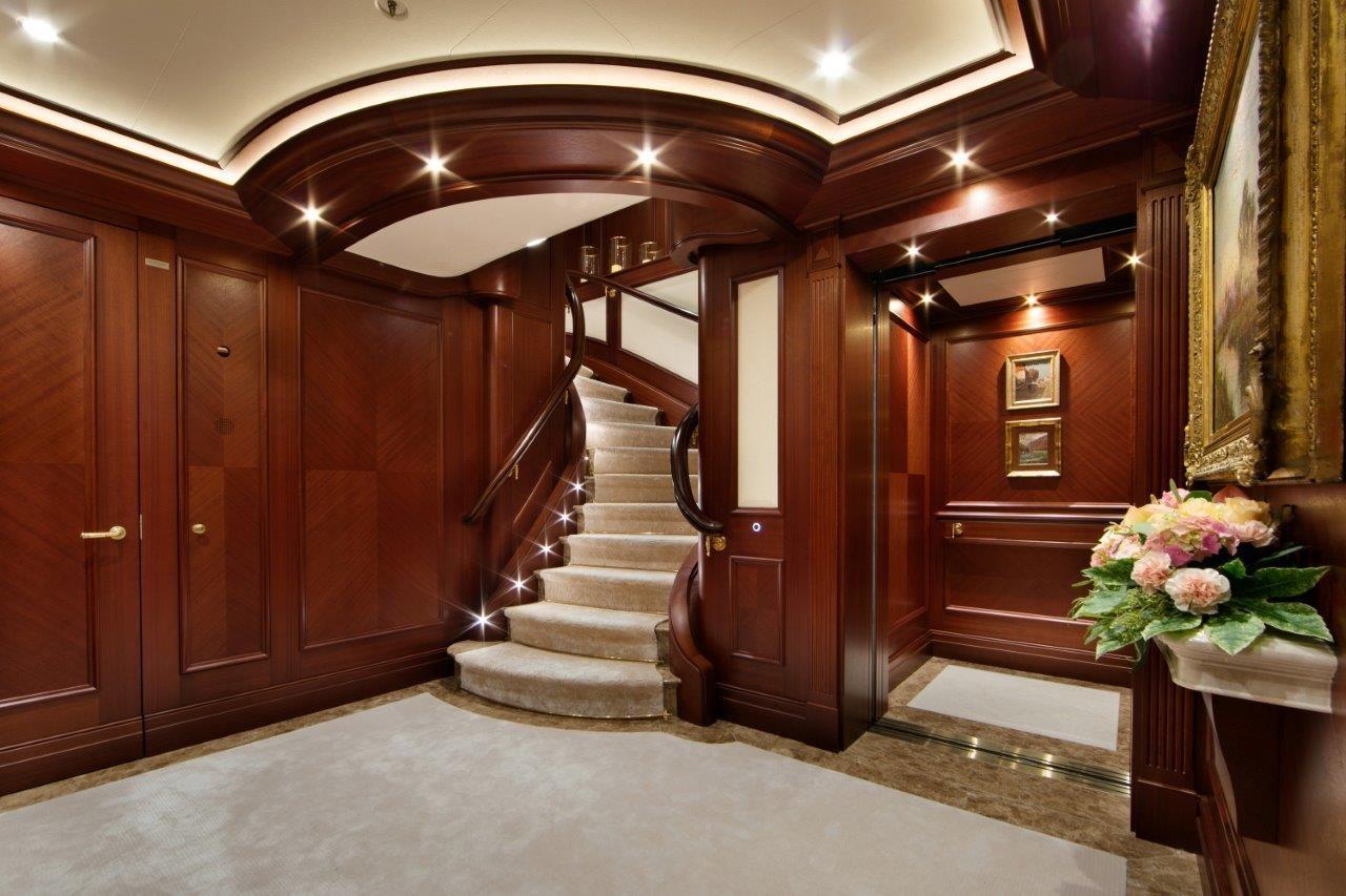 279 Lurssen Lower Deck Lobby