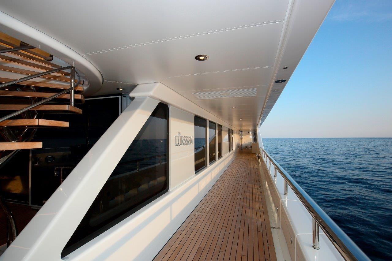 279 Lurssen Wide Side Decks