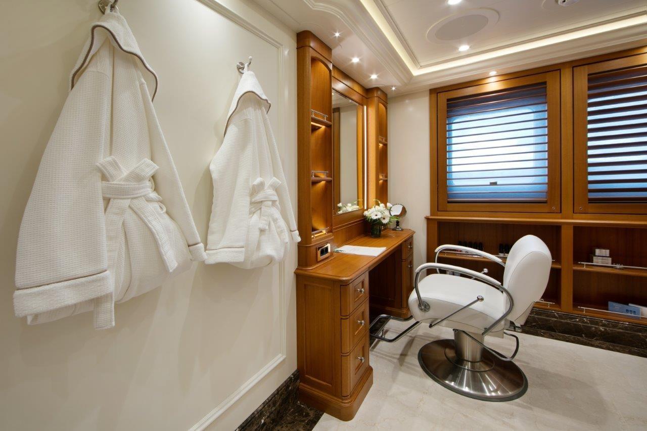 279 Lurssen Beauty Salon