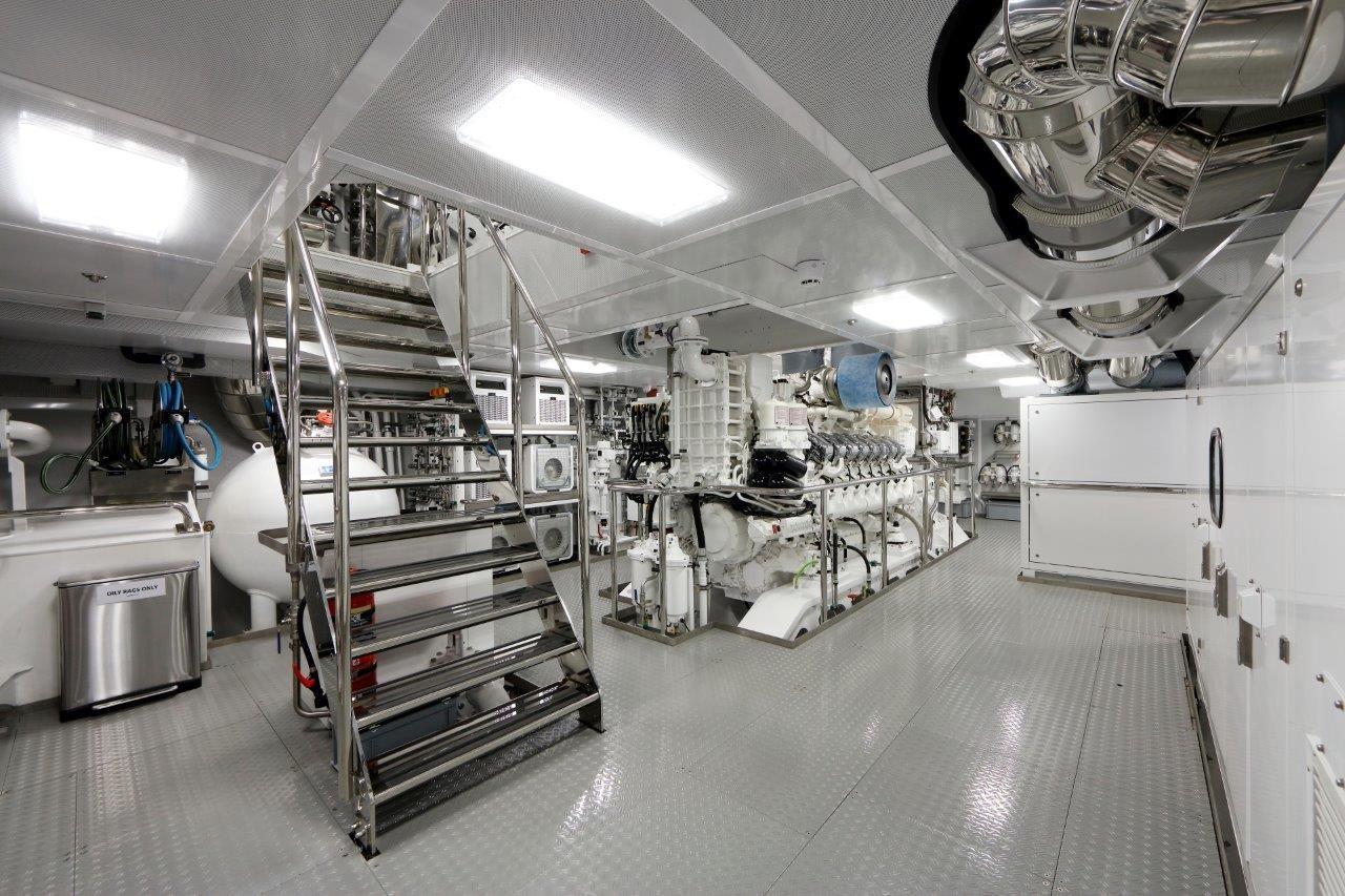 279 Lurssen Engine Room