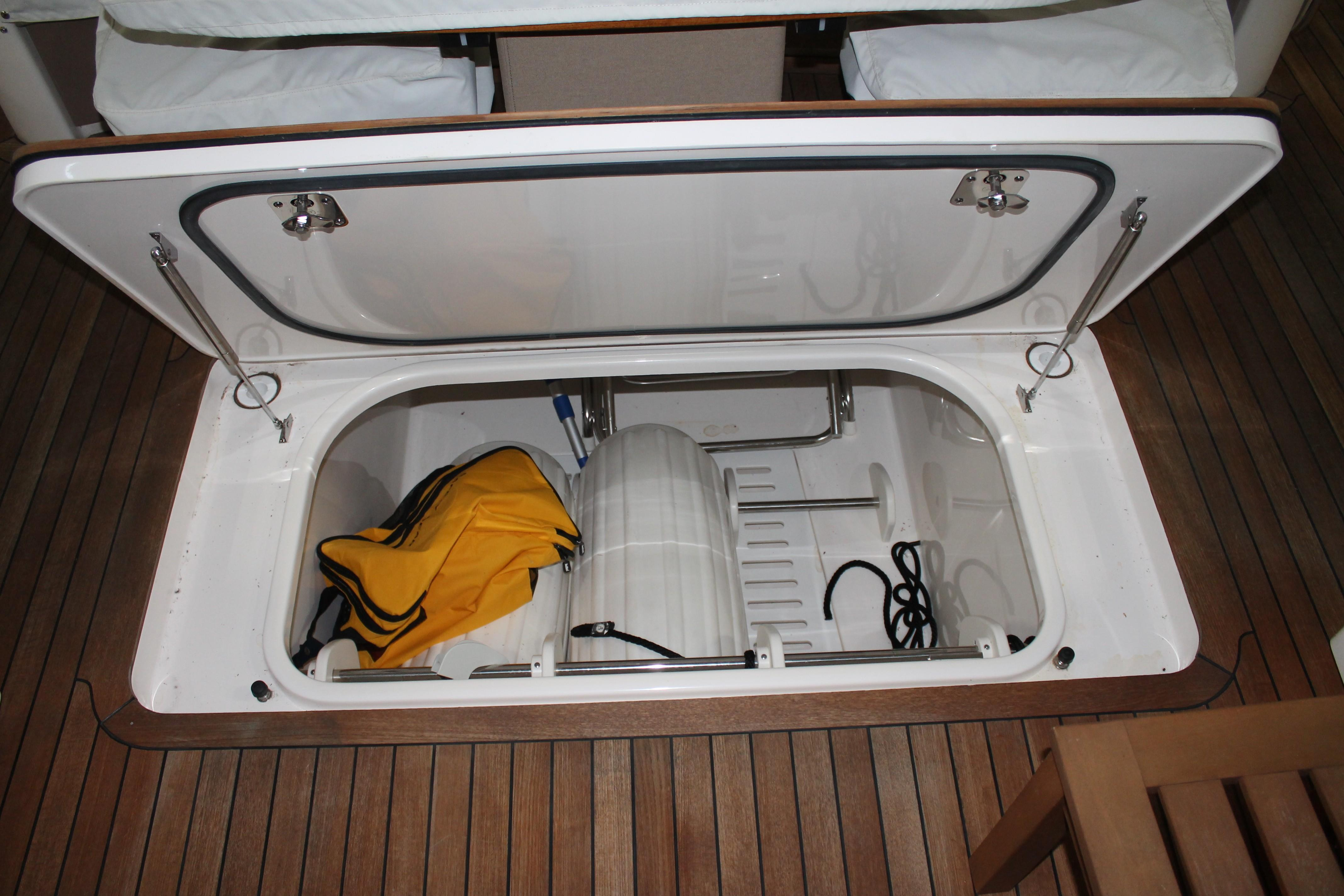 Cockpit Floor Storage