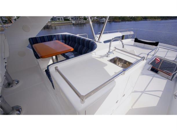 Flybridge Settee with Sink and Refrigerator