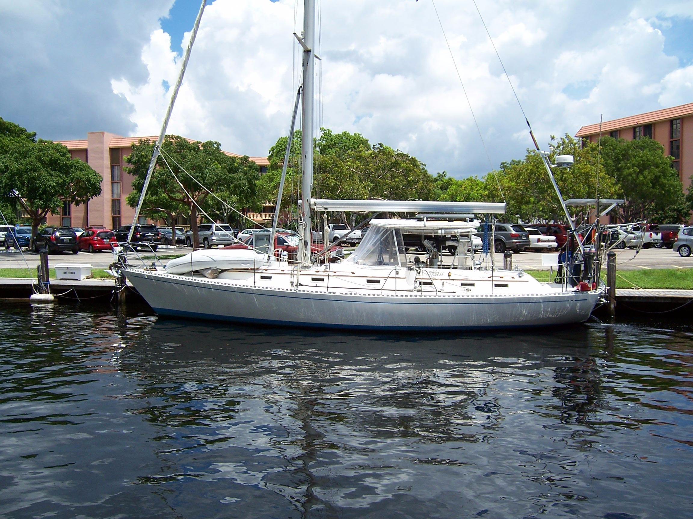 44' Hylas 1987 44 Center Cockpit Sloop