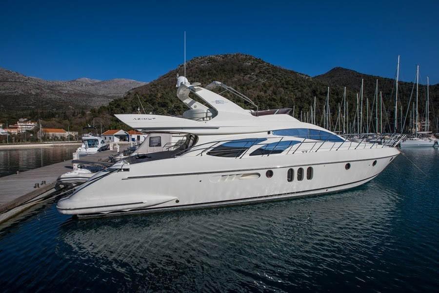 65 Azimut 2005 Montemarcello   Denison Yacht Sales