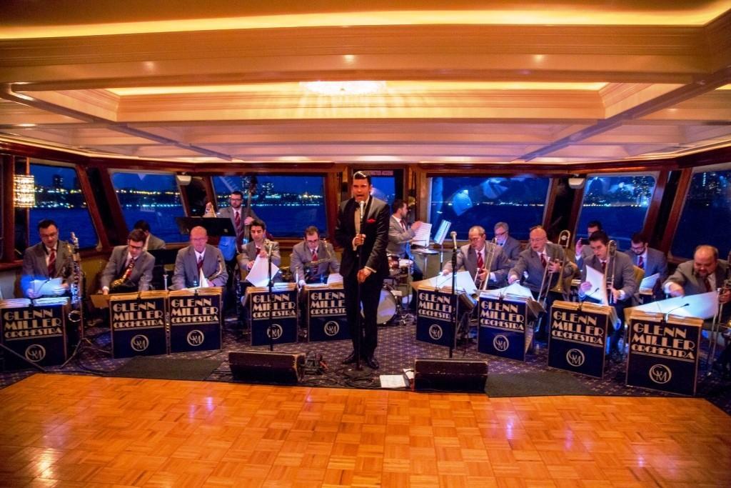 Glenn Miller Orchestra  Performs Live