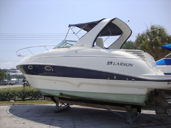 2006 Larson 310 CABRIO Location: West Coast US. $89000.00