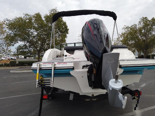 2021 Sea Ray boat for sale, model of the boat is SPX 190 OB & Image # 6 of 9
